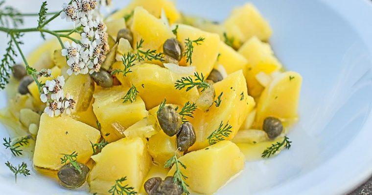 Kartoffelsalat mit Schafgarbe