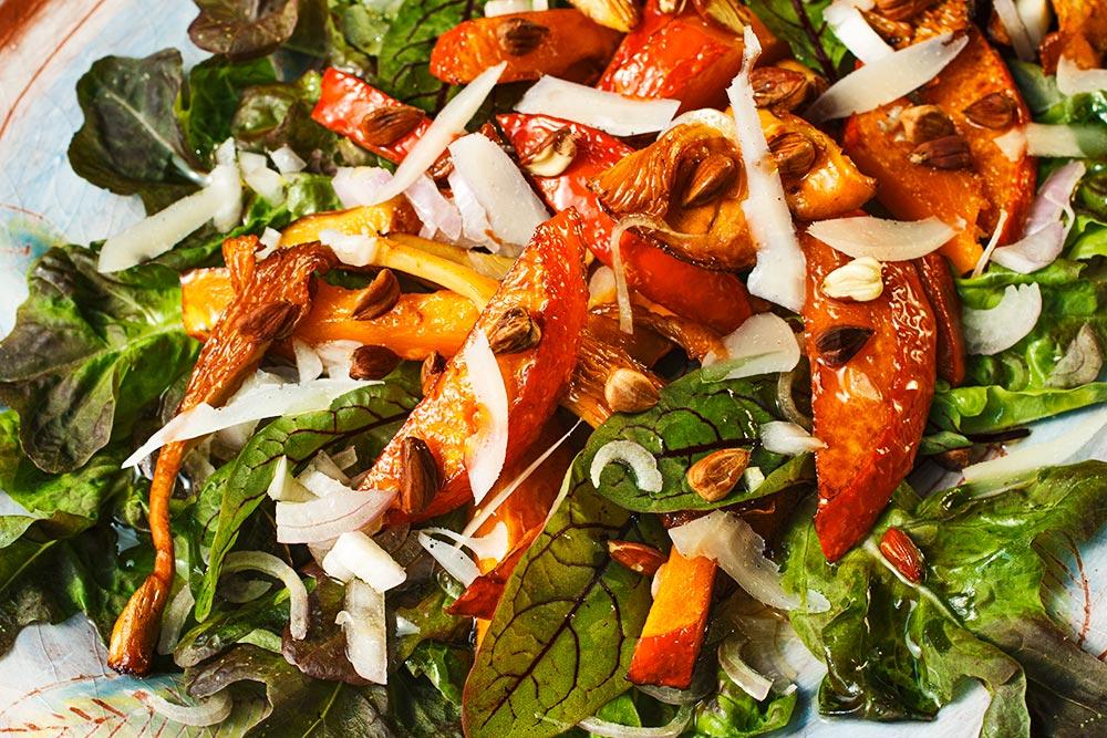 Kürbis-Pfifferling-Salat mit Bucheckern