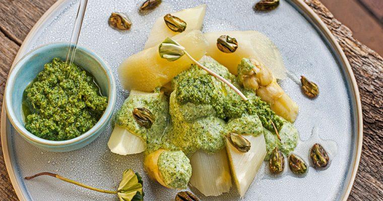 Spargelgemüse mit Buchensprossen-Pesto